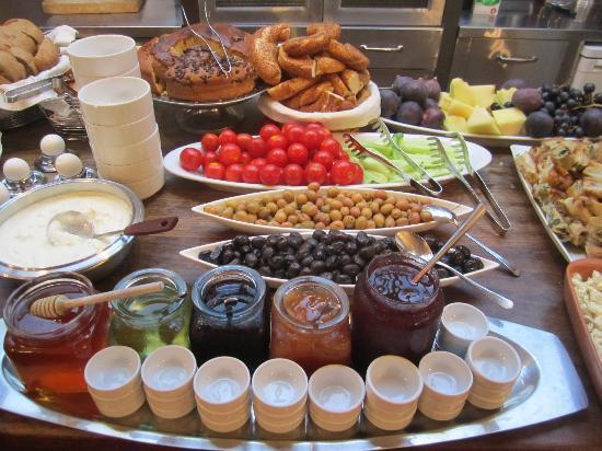Ibrahim Pasha Hotel: Wonderful breakfast at hotel