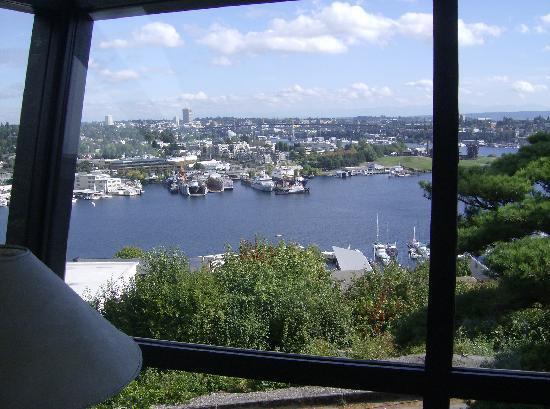 Canlis Restaurant: THE VIEW FROM OUR DINING ROOM