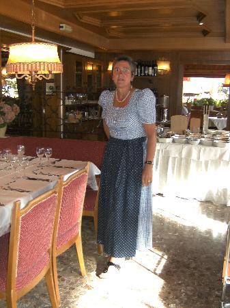 Hotel Platz: Annemarie eine der professionellen kellenerinnen lassen keinen wunsch offen