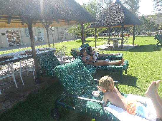 Safari Hotel: Lazing at the pool