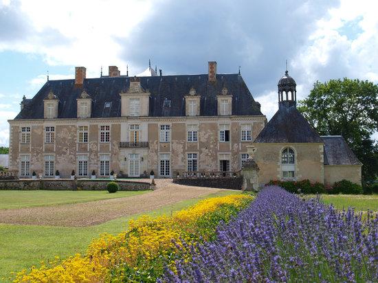 Château de Champchevrier: Champchevrier en fleurs
