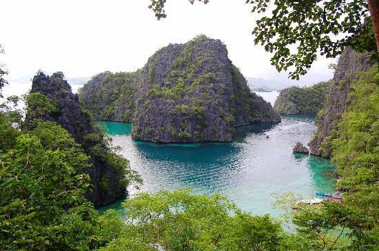 Coron Bay: On the trail to Cayangan Lake