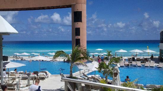 Moon Palace Cancun: Beach palace