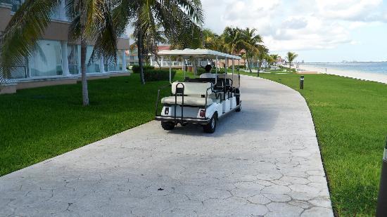 Moon Palace Cancun: Moon palce transport