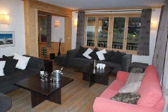 Chalet Blanche: The living area