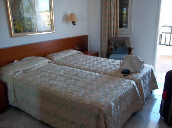 Barcelo Ponent Playa: bedroom