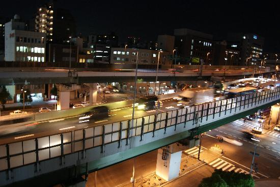 โรงแรมนิว โอเรียนทัล: My well lit view from my window at the New Oriental