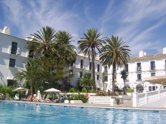 ILUNION Hacienda del Sol: A view of the hotel and adult swimming pool