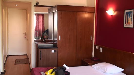 King Hotel: Room