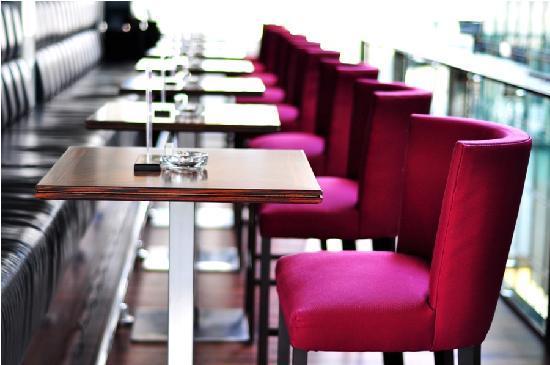 Healey's Bar and Terrace: Healey's Bar