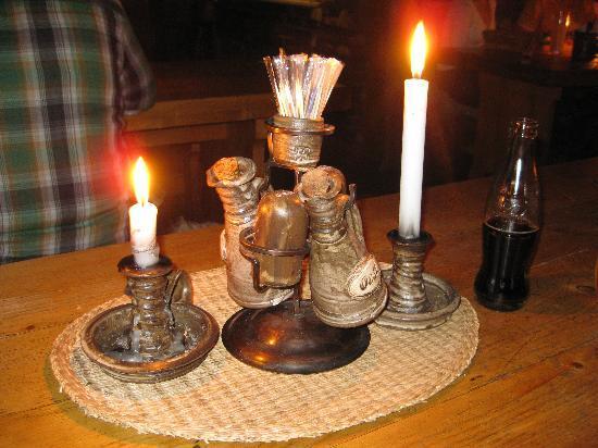 Staroceska Krcma: Candele sui tavoli