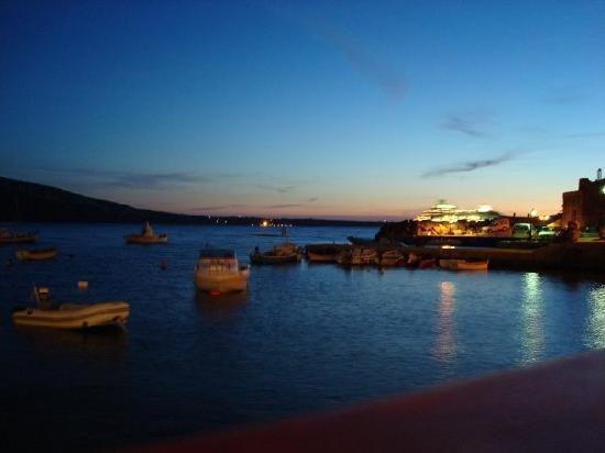 อมาวดิ่วิลลาส: View in the evening