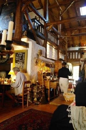 L'Auberge des Mille Etangs : Inside