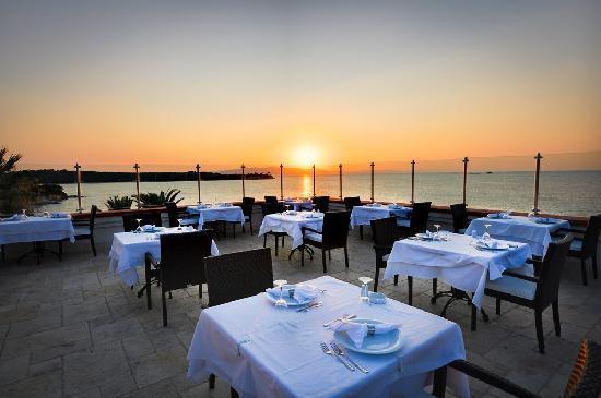 Kalem Island Oliviera Resort: Main Restaurant