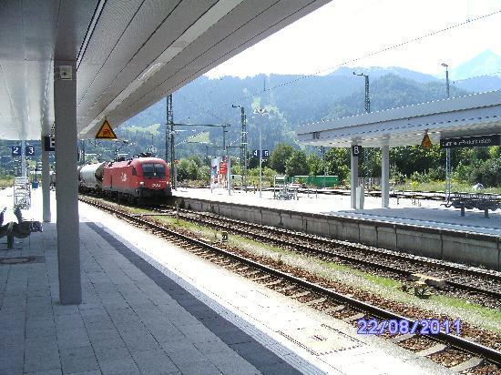Garmisch-Partenkirchen, เยอรมนี: Railway station [4]