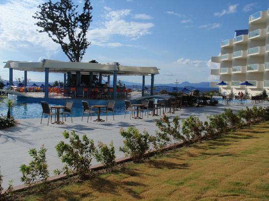 Atrium Platinum Hotel: piscina