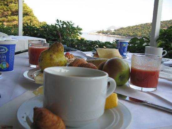 Hotel Vis: Breakfast