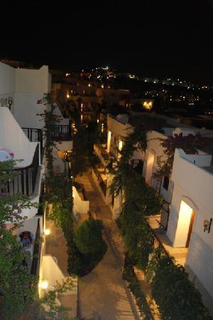 Asteria Bodrum Resort: Alleys