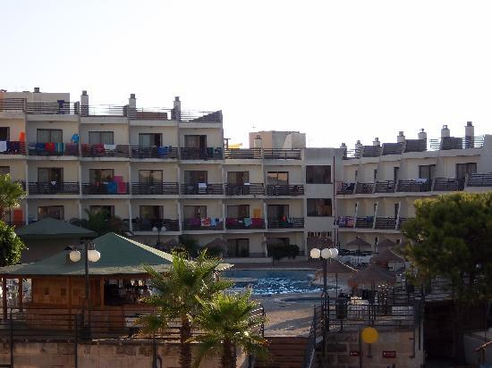 TRH Magaluf: The pool area when quiet