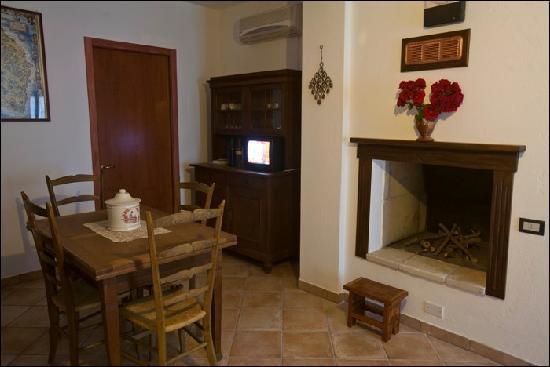 Residenze Fusaro 2: il soggiorno del ciliegio