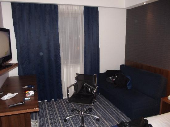 Holiday Inn Express Tamworth: Lounge area