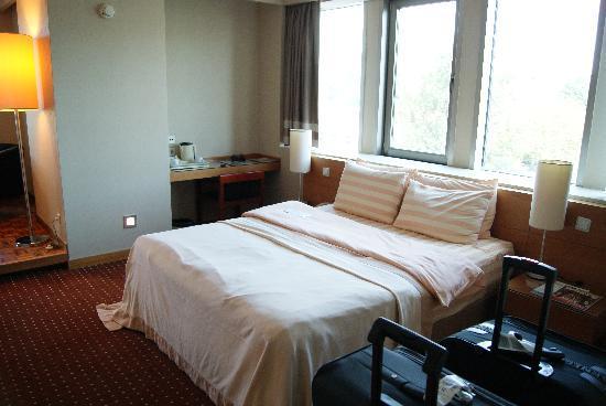 พลาซ่าโฮเต็ลอิสต: Room - Bed
