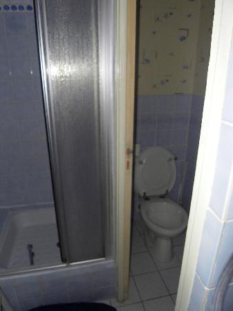 Manoir de la Grande Mettrie: the bath