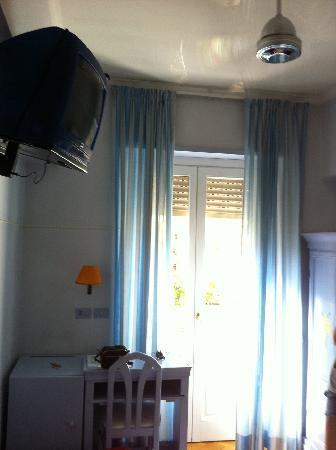 Lilium Hotel: the room
