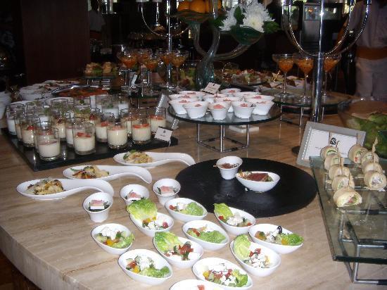 Boneka Restaurant at The St. Regis Bali Resort: Lots of delicious tasting plates.
