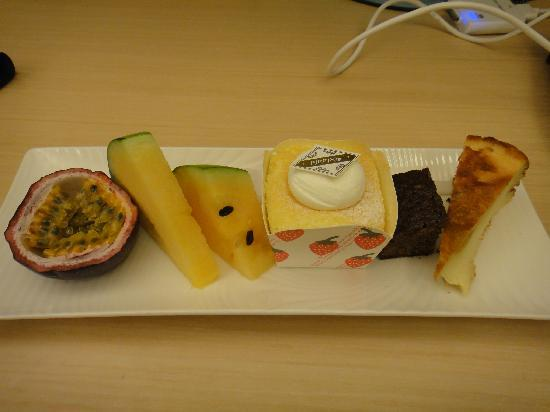 เดอะ คริสตัล รีสอร์ท ซัน มูน เลค: Hotel Afternoon Tea