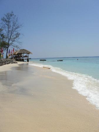 กีลีทราวางกาน, อินโดนีเซีย: clean water, white sand
