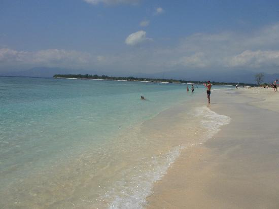 Gili Trawangan, Indonesia: Gili meno, in front of trawangan