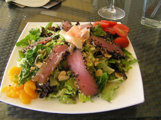 Largo Bar & Grill: Salad