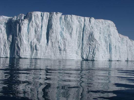 Ilulissat Icefjord: between the icebergs