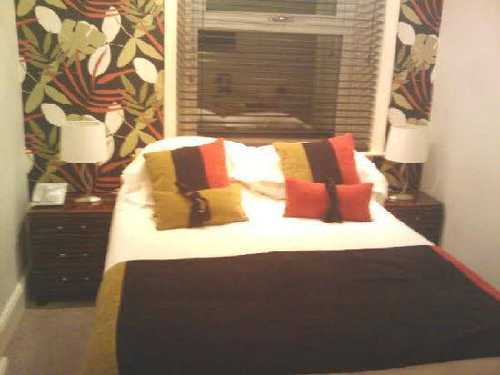 The Townhouse Hotel: Bedroom 1
