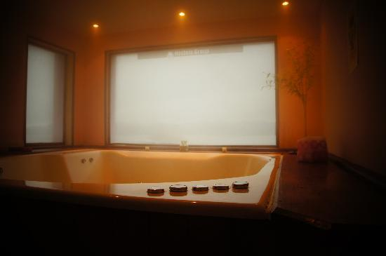 Tangoinn Downtown: Jacuzzi room