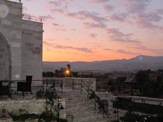 MDC Hotel: sunrise pre hot air ballooning