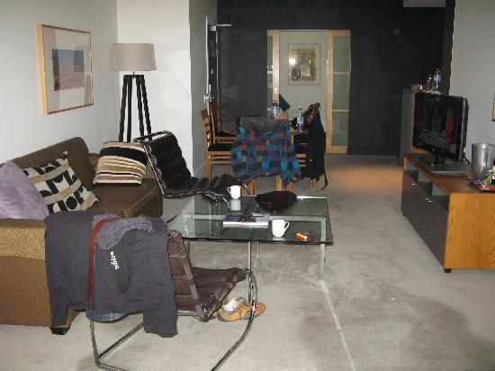 Adina Apartment Hotel Melbourne: Lounge room