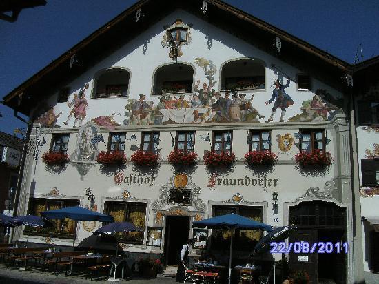 Garmisch-Partenkirchen, เยอรมนี: Ludwigstrasse[2]