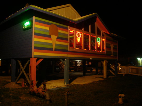 Joe's  Eats and Sweets: all lit-up at night