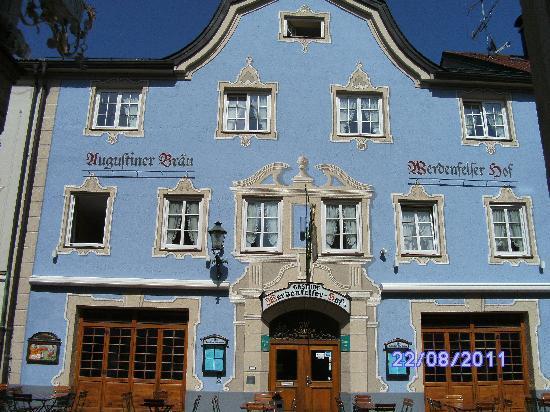Garmisch-Partenkirchen, เยอรมนี: Ludwigstrasse[1]