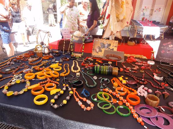 Old Town (Vieille Ville): This vendor had a stunning collection of Bakelite jewelry.
