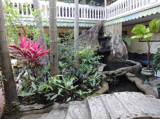 Hotel Megawati: Garden View