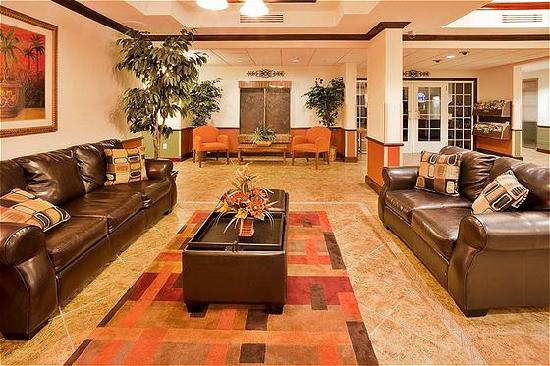 Holiday Inn Express Suites Ocala - Silver Springs: Hotel Lobby