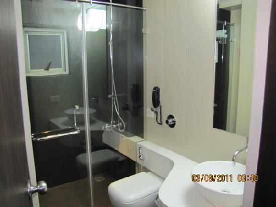 Hotel Asma Tower: superior bathroom