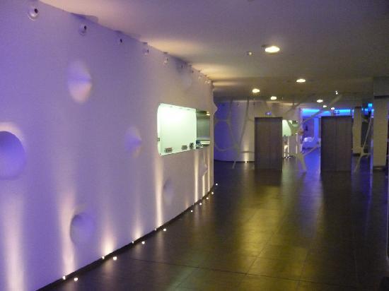 โรงแรมพอยท์อาเรสโซปาร์ค: Reception