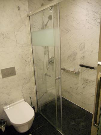 DoubleTree Istanbul OldTown: Nice shower
