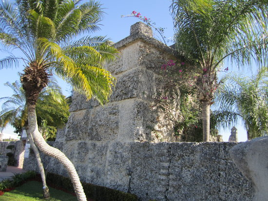 Coral Castle: As you approach the main castle gate you start to get a feeling this is not your usual castle th