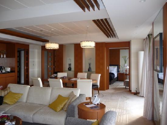 โรงแรมเชอราตันแกรนด์ โตเกียวเบย์: 庶民には広すぎるプレジデンシャルスイート