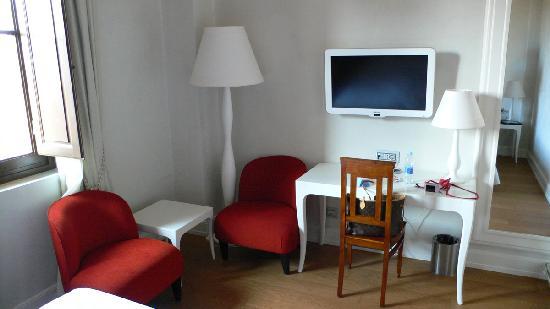 โรงแรมเอนเอช ปอร์ตา รอสซ่า: Superior Room